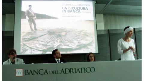 mostra in onore di Gentiletti, scultore pesarese, promossa della Banca dell'Adriatico.