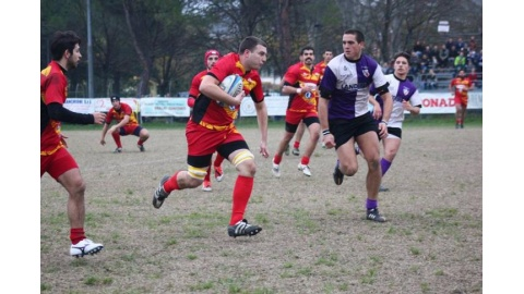 Scavone palla in mano - Pesaro Rugby