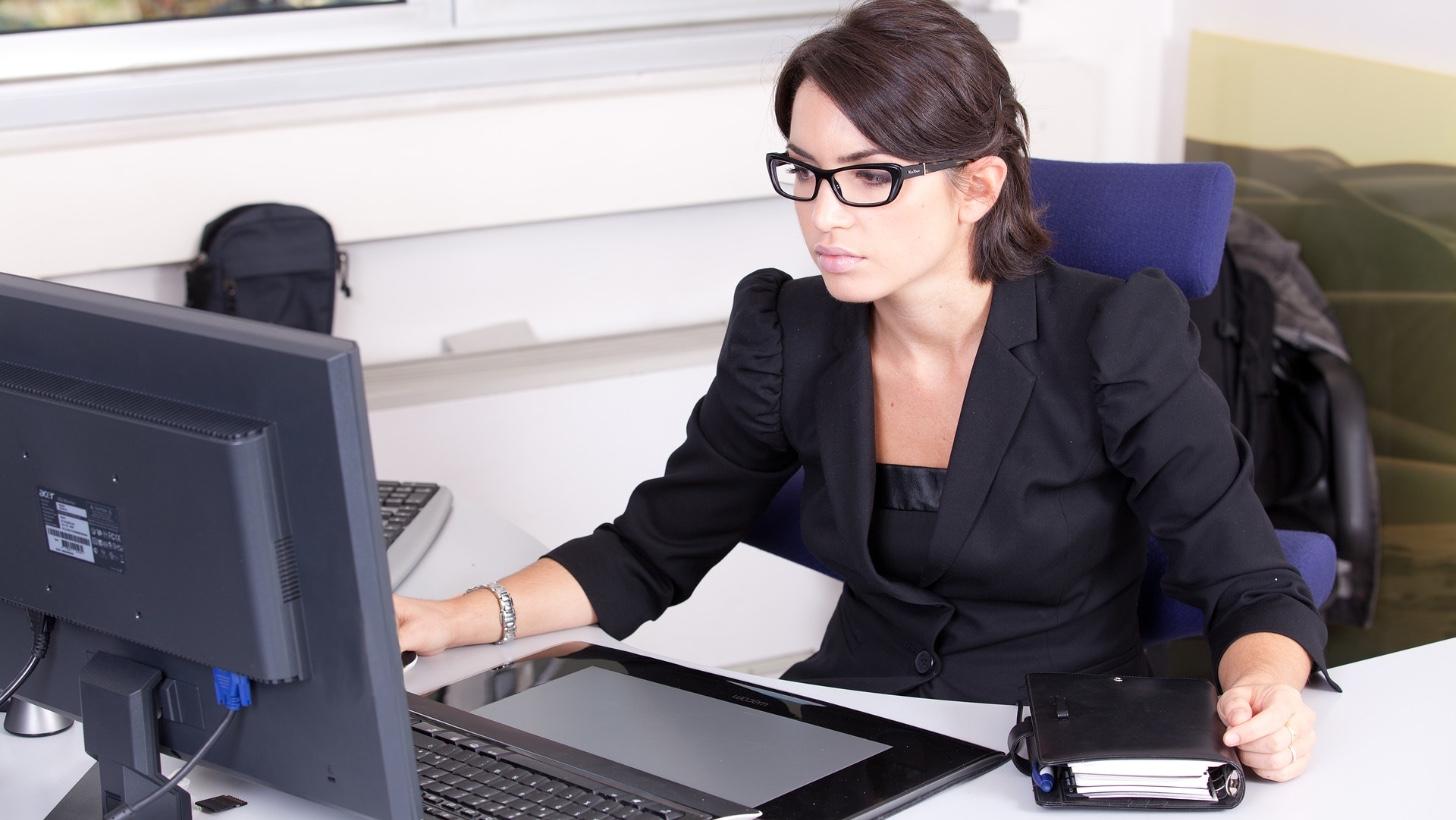 Donna piu figli offerte lavoro fano impiegata