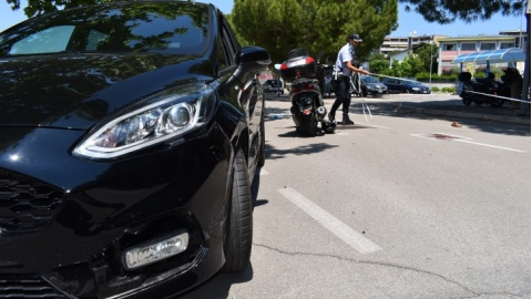 incidente auto scooter pesaro